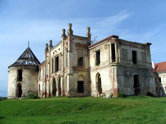Prințul Charles s-ar putea implica in refacerea Castelului Banffy din Bontida