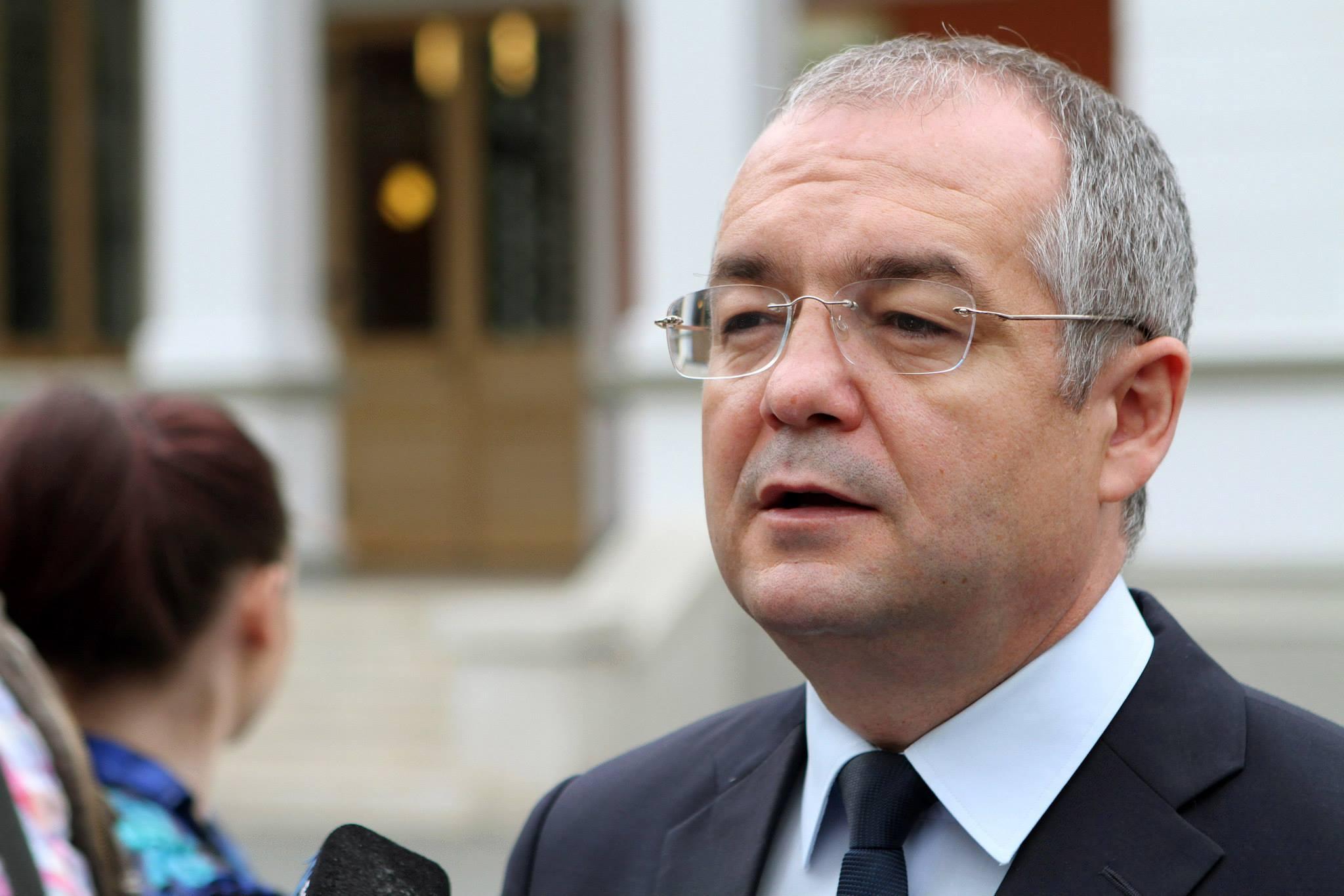 """Boc: """"Ponta ar trebui să demisioneze. Victoria lui Iohannis este a dreptei si a democratiei romanesti"""""""