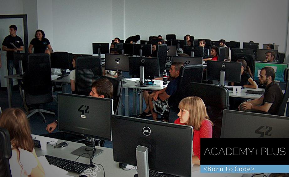 PREMIERA. Prima scoala neconventiala de IT din Romania! Programatori de elita sunt pregatiti la Cluj-Napoca, in cadrul Academy +Plus-