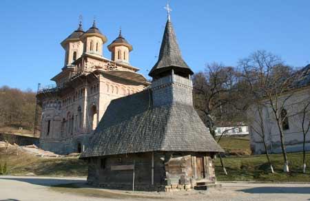 Mănăstirea Nicula primește 2.000.000 lei de la Guvern
