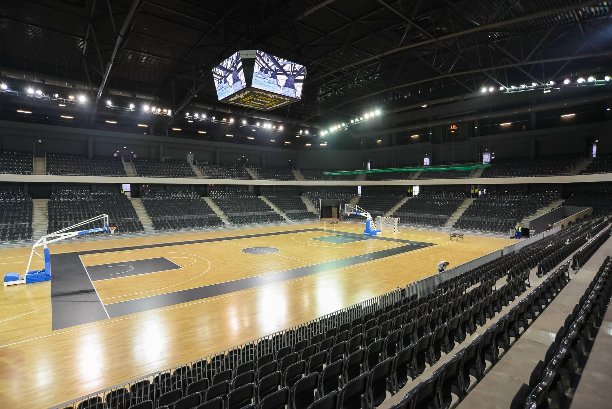 500 de elevi din Cluj vor beneficia de un card de acces gratuit la meciurile de handbal și baschet din Sala Polivalentă