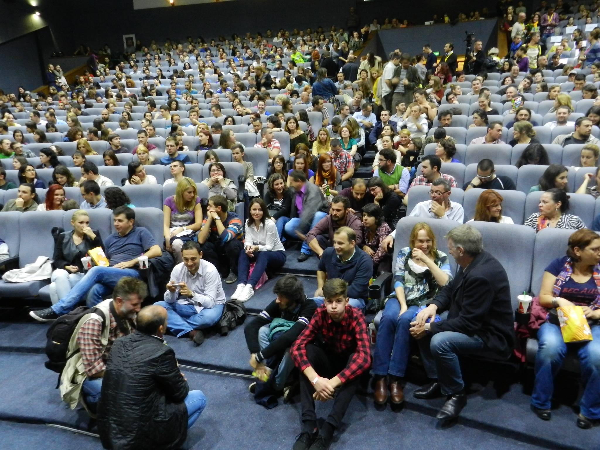 """Pe marele ecran! Filmul """"Usturoi"""" a umplut până la refuz cinematograful Florin Piersic"""