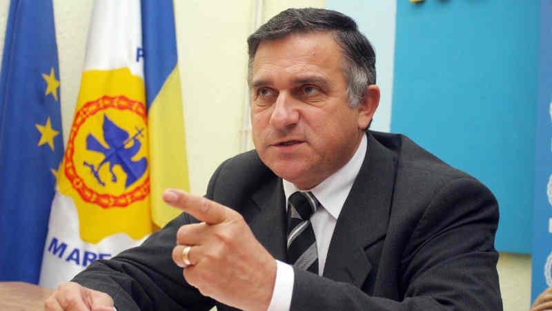 Funar se visează din nou preşedintele României! Fostul primar al Clujului a anunţat că va candida la alegerile prezidenţiale din acest an!