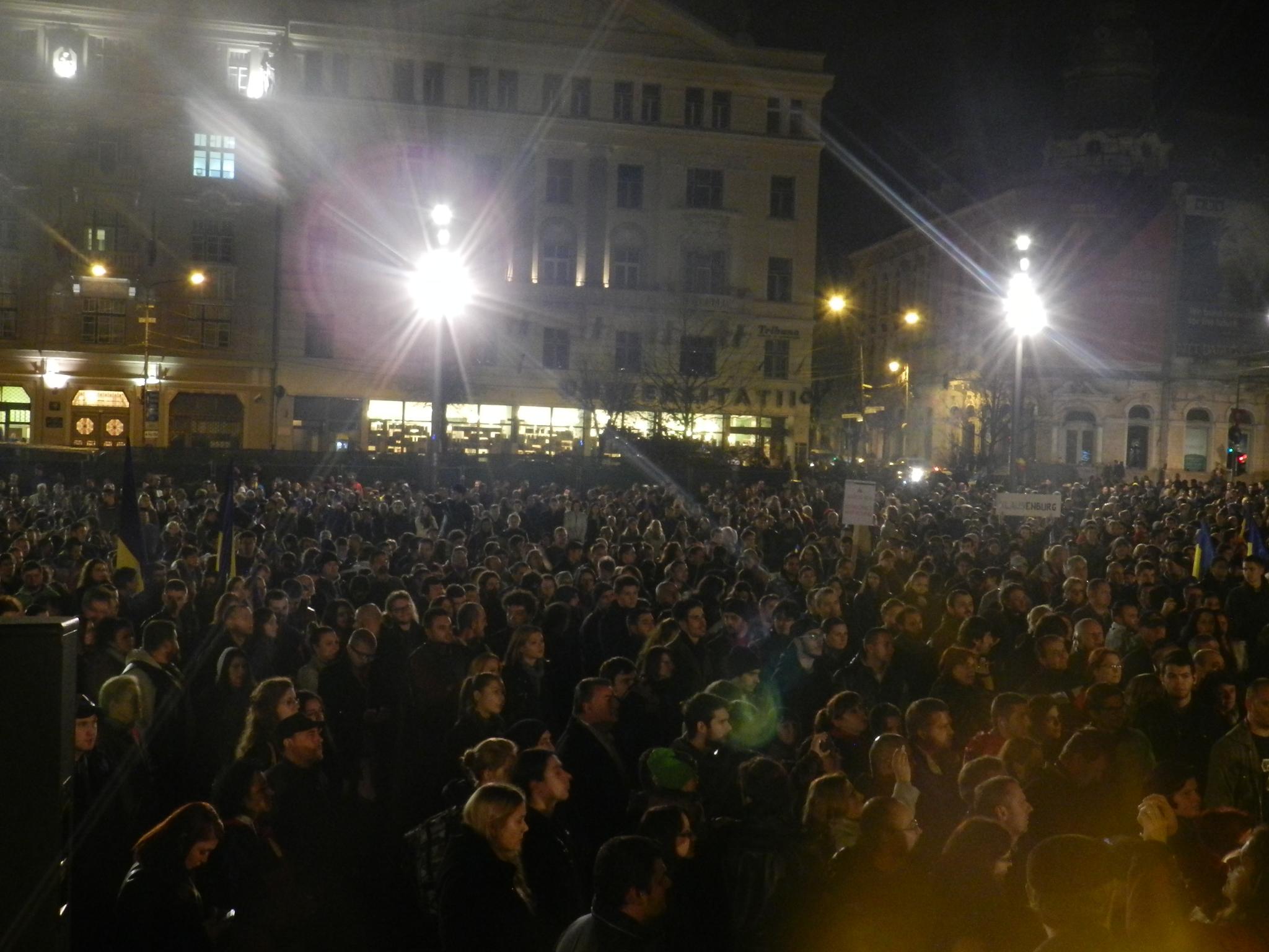 Clujenii ies din nou la protest pentru a-i cere demisia lui Victor Ponta – Piata Unirii – ora 19