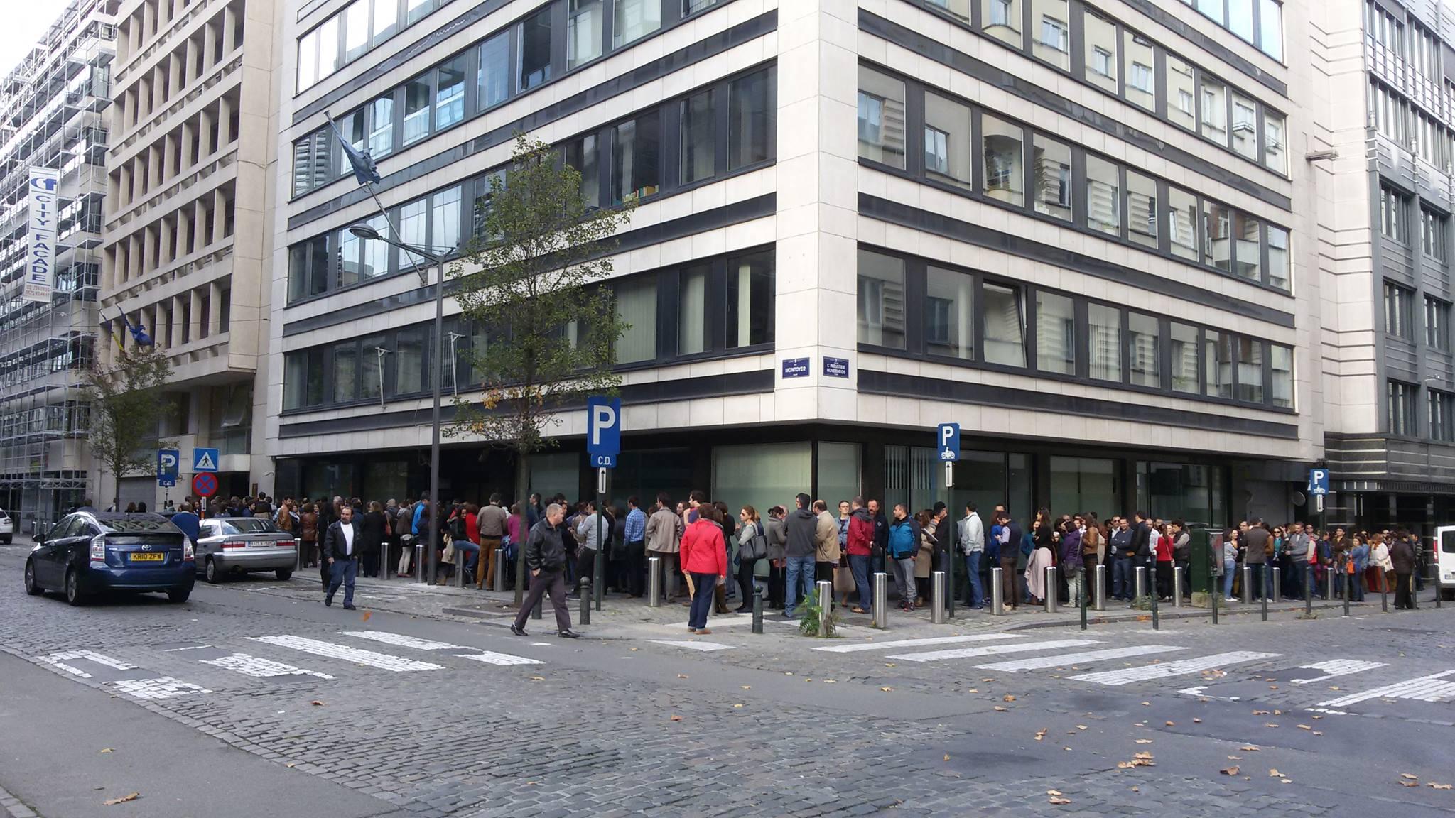 Mobilizare generală în Diasporă. Cozi de zeci de metri la Munchen, Paris, Valencia, Londra sau Chișinău