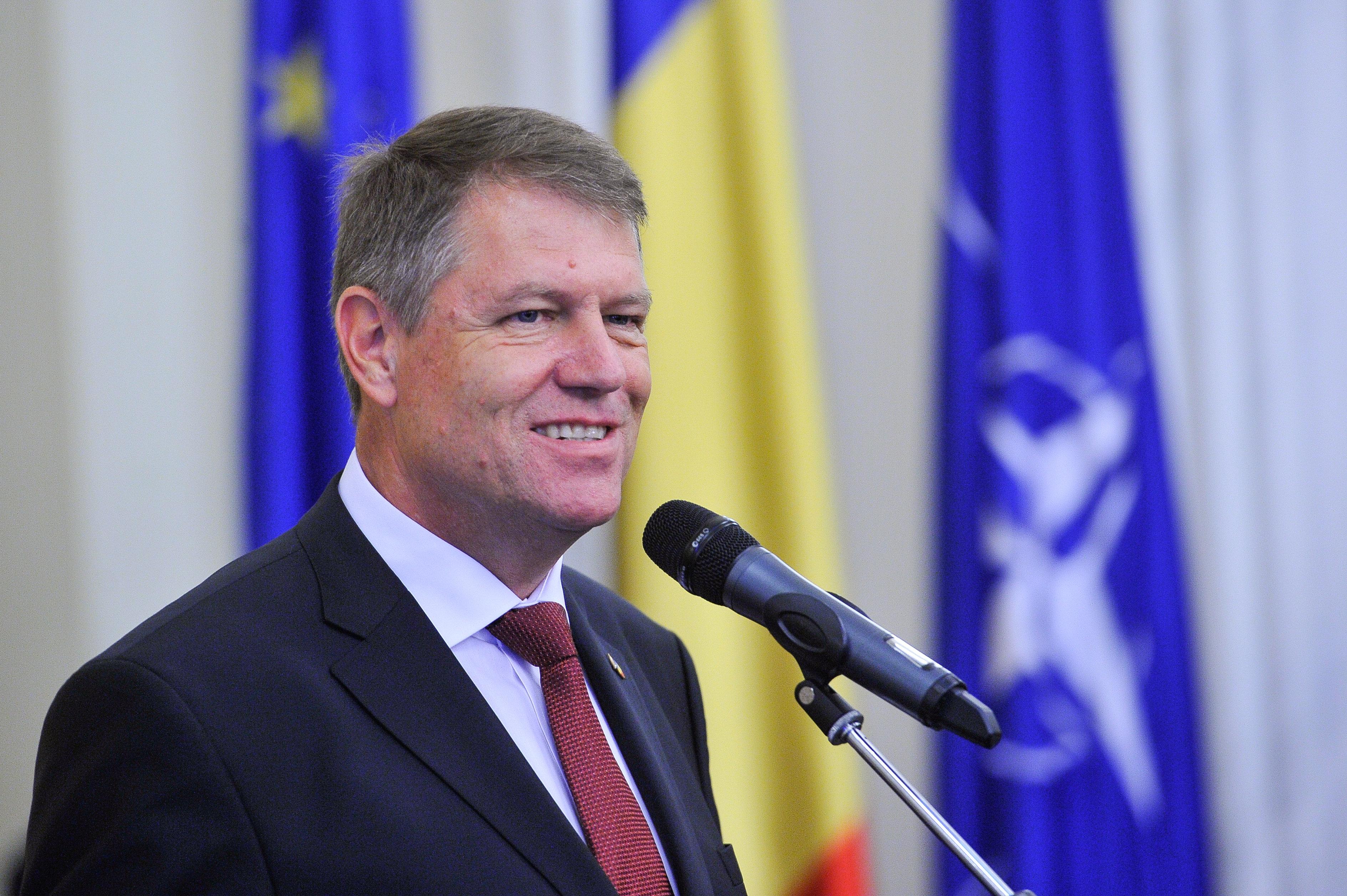 Ce salariu are Klaus Iohannis și cât va câștiga dacă noua lege a salarizării va intra în vigoare