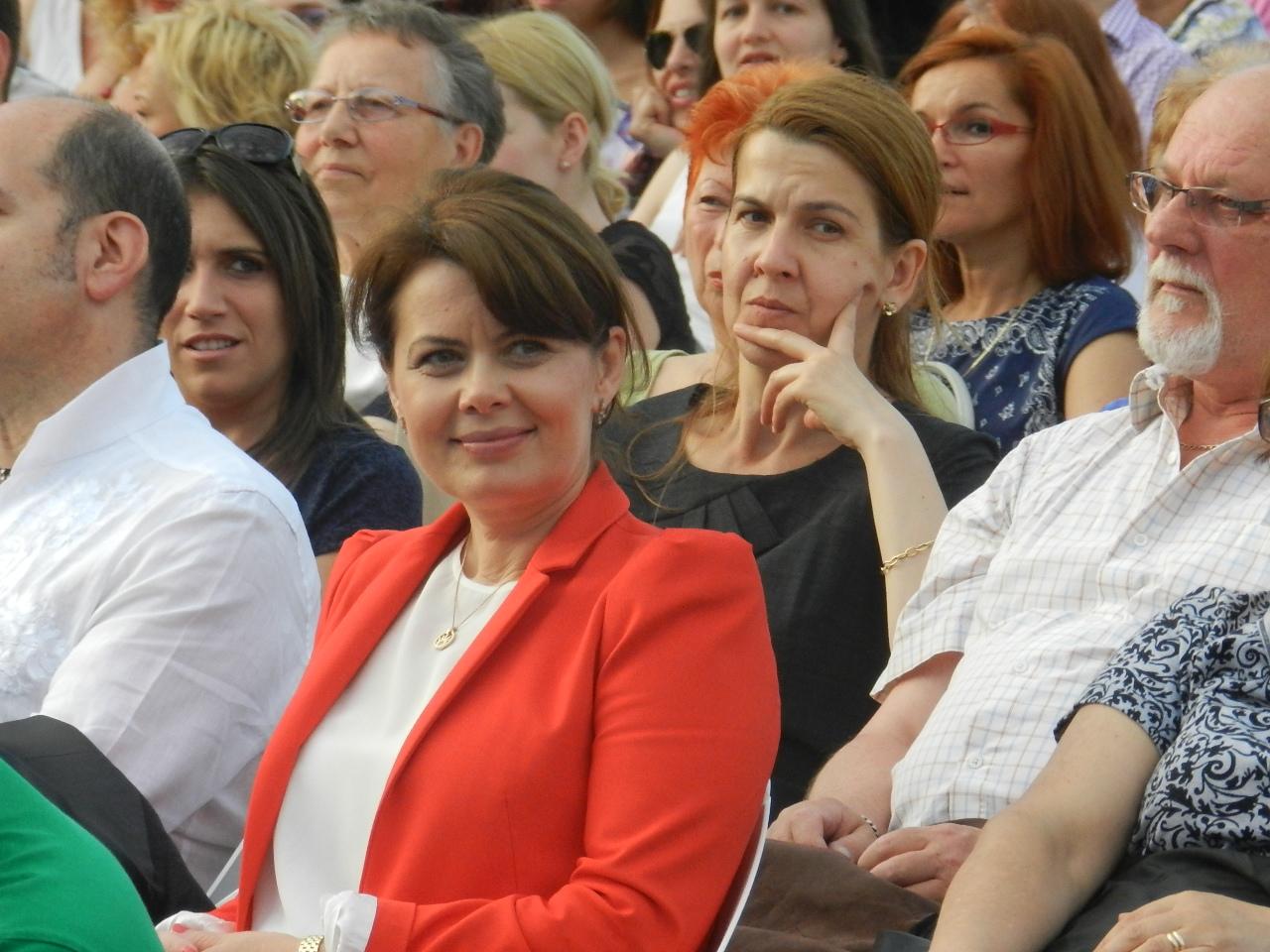 Aurelia Cristea vrea să-i pună la plată pe românii care muncesc în străinătate