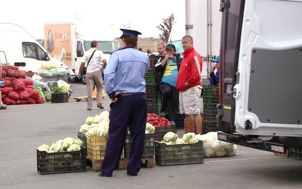politisti legume si fructe