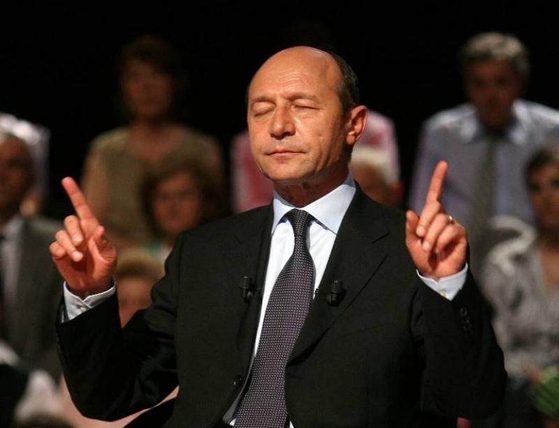 """Băsescu a lansat un nou atac la adresa lui Ponta: """"S-a ascuns ca struțul de Justiție!"""""""