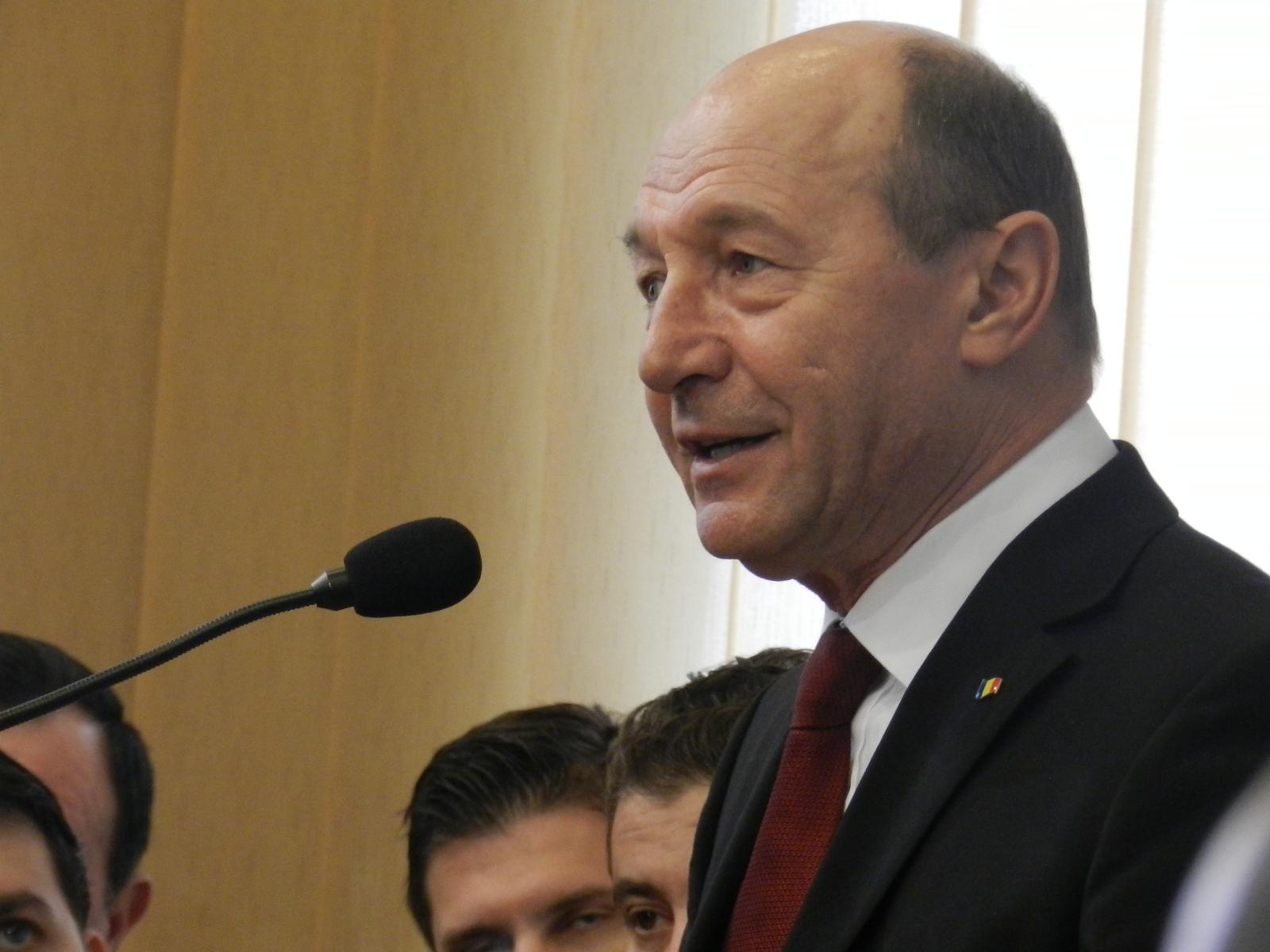 Traian Băsescu, atac virulent la adresa Antenei 3 și România TV