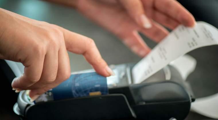 Restaurantele, barurile şi cluburile, obligate sa publice pe meniu anunţul privind bonurile fiscale, de la 1 martie