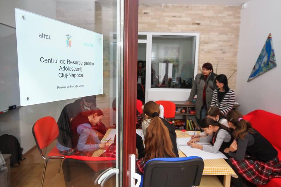 UNICEF deschide la Cluj-Napoca un centru de resurse pentru adolescenți
