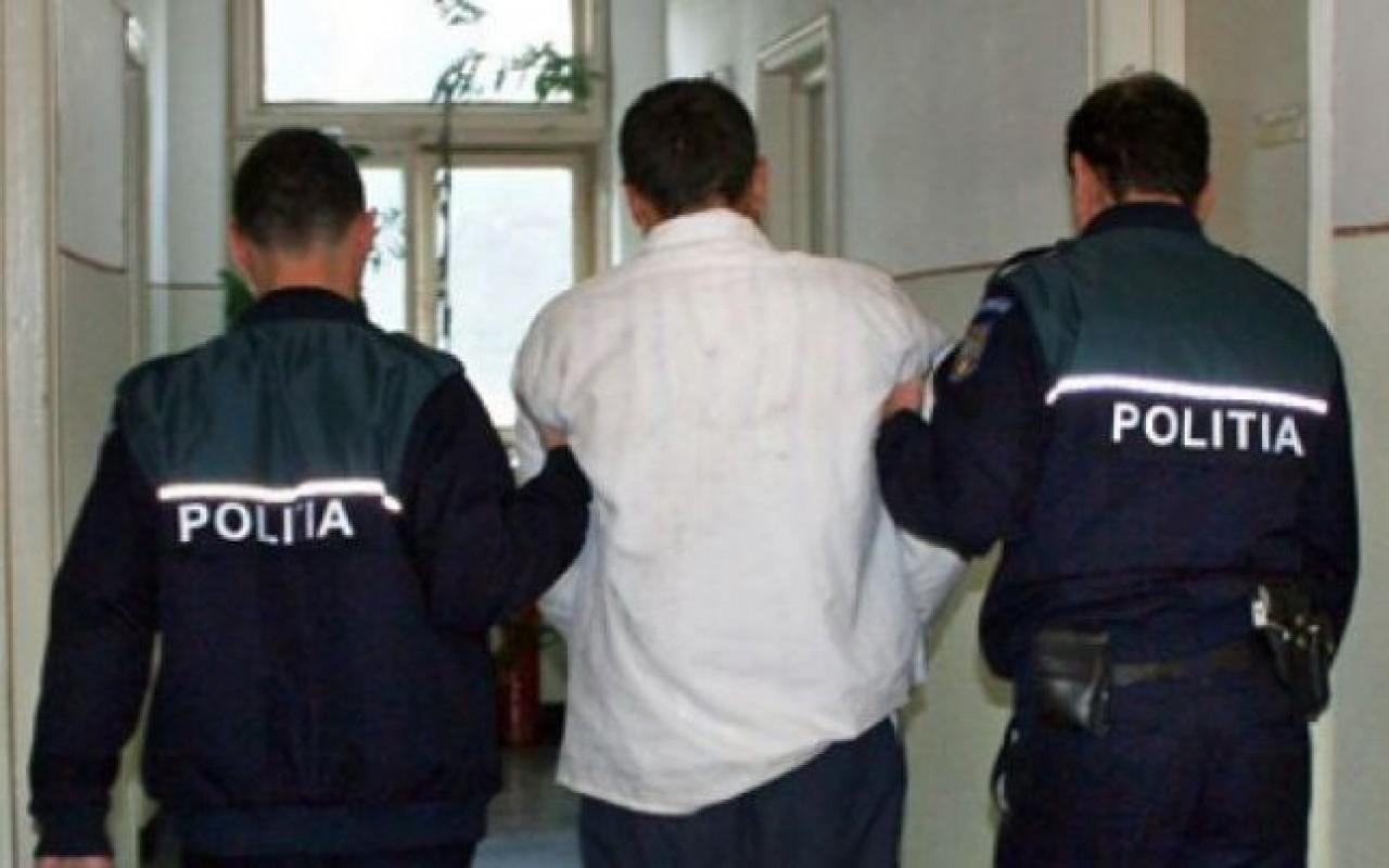 Un minor de 17 ani din Vultureni care a tâlhărit și bătut o femeie de 80 ani a fost reținut de polițiști