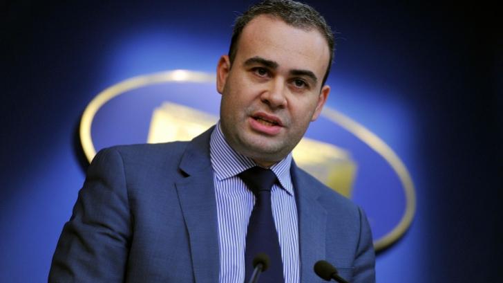 Darius Vâlcov, fostul ministru al Finanțelor, reţinut de DNA pentru 24 de ore