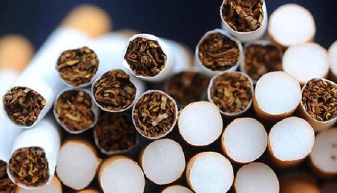Aproximativ 2,5 kg de tutun și peste 5000 de tuburi au fost confiscate de polițiști