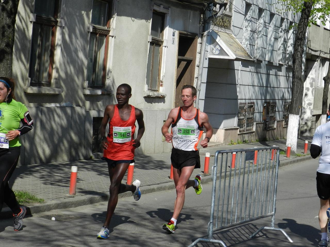 """Un kenyan a câștigat ediția a 5-a a Maratonului Internațional """"AROBS"""" Cluj"""