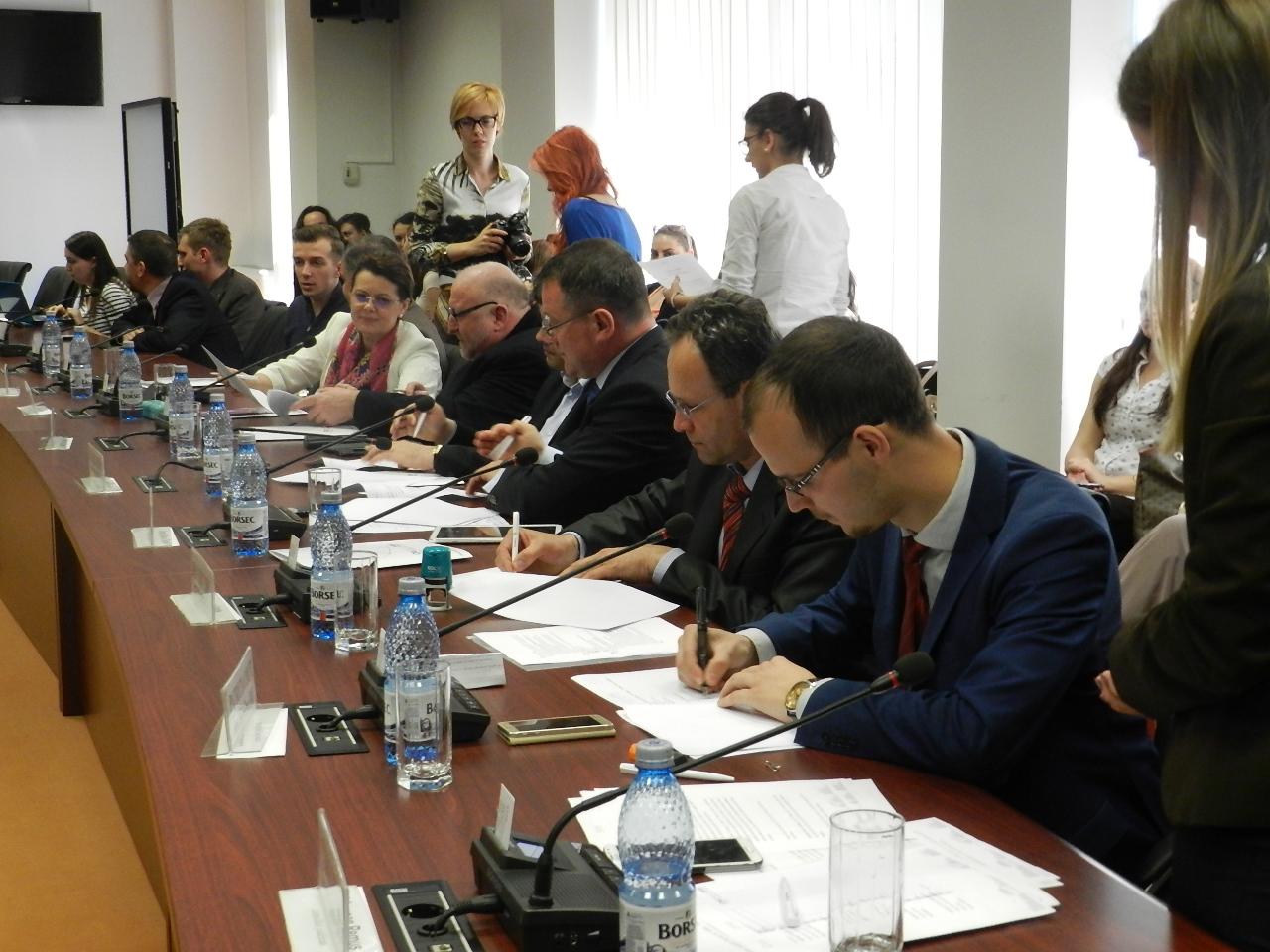Federația SHARE a oficializat parteneriatul cu principalele partide politice, după 100 de zile