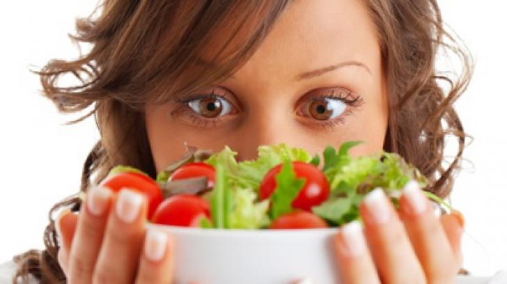 dieta_poza_alimentatie_sanatoasa_35639000
