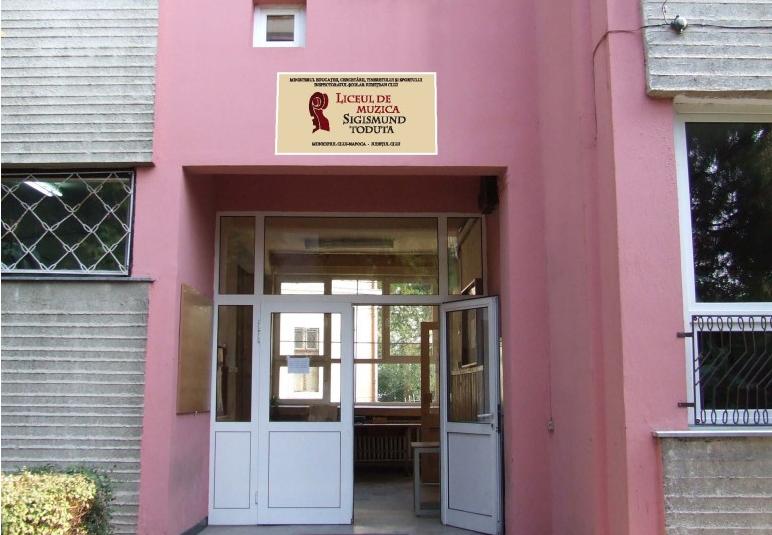 Ministerul Educației a cerut IȘJ Cluj suspendarea învățătoarei Monica Chiorean de la Liceul de Muzică după ce a terorizat un elev de 7 ani