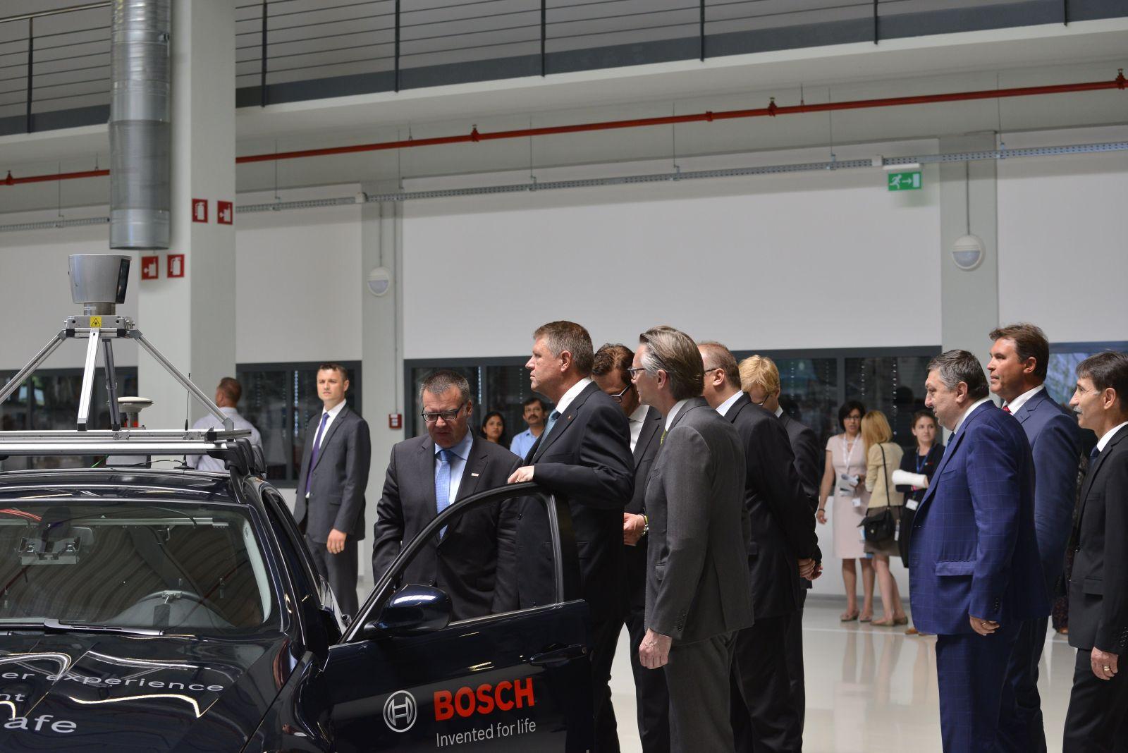 Presedintele Iohannis a inspectat masina autonoma BOSCH