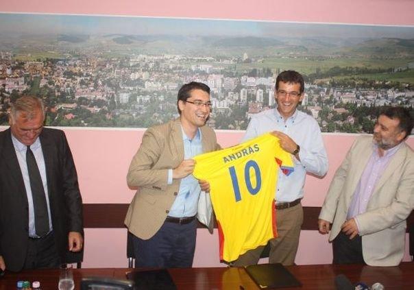 S-a inaugurat primul Centru Regional de Excelență al FRF la Târgu Mureș