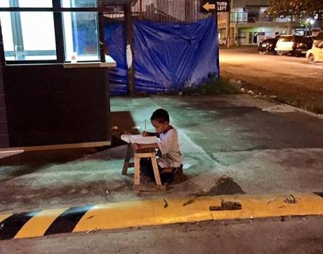 Imaginea care a emoționat o lume întreagă vine din Filipine