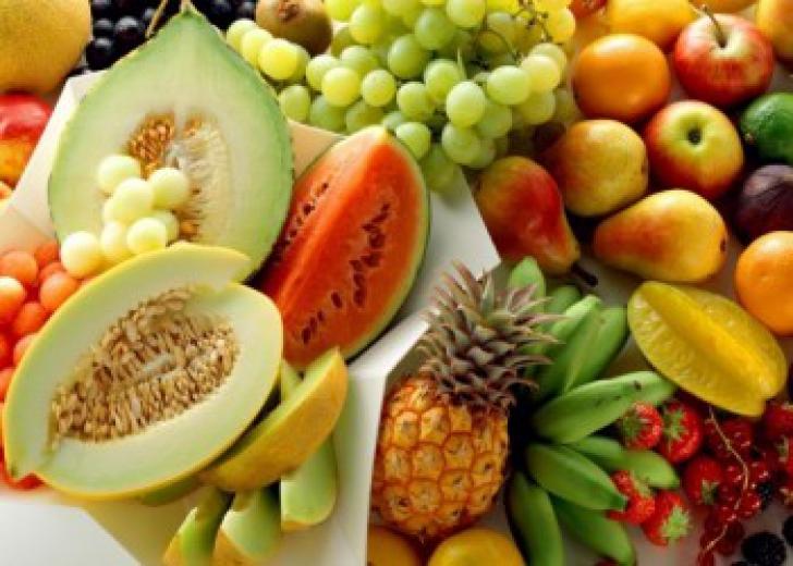 Când să mănânci fructe ca să slăbești