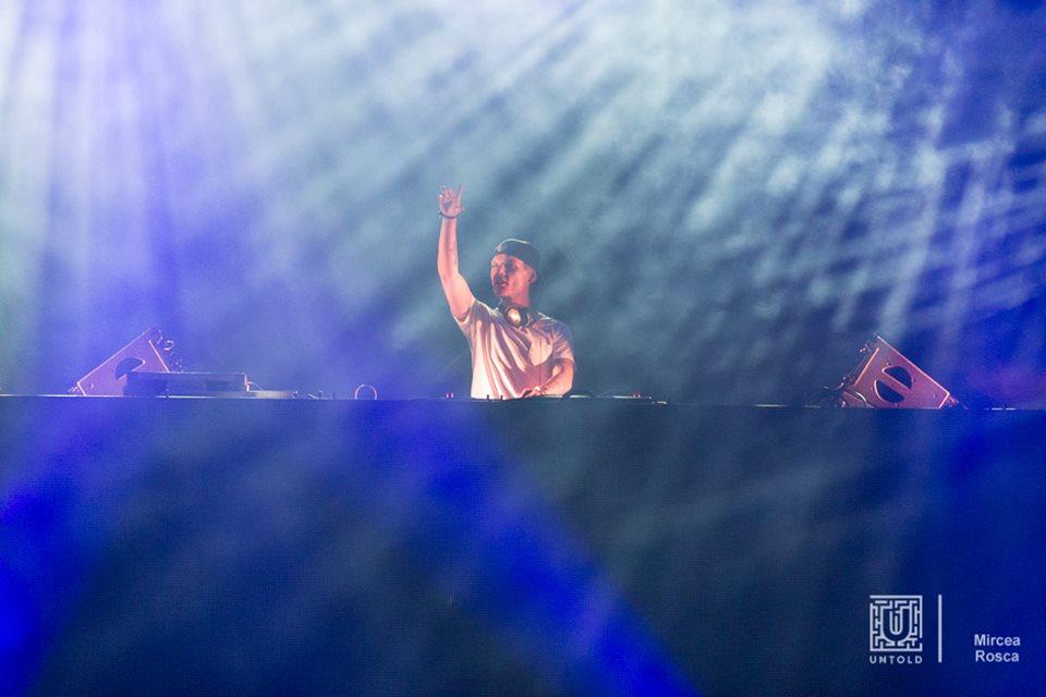 AVICII dj untold festival 2015