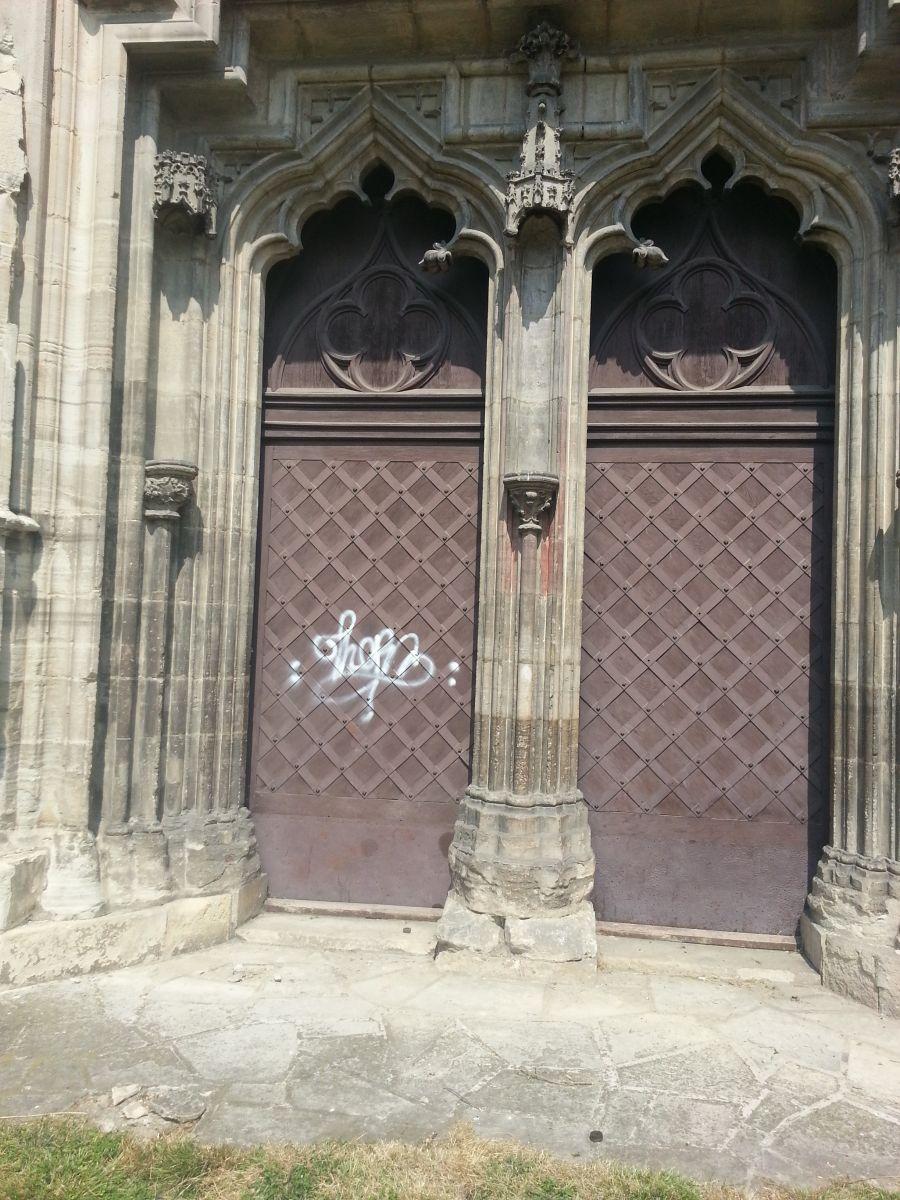 biserica sf mihail cluj vandalizata