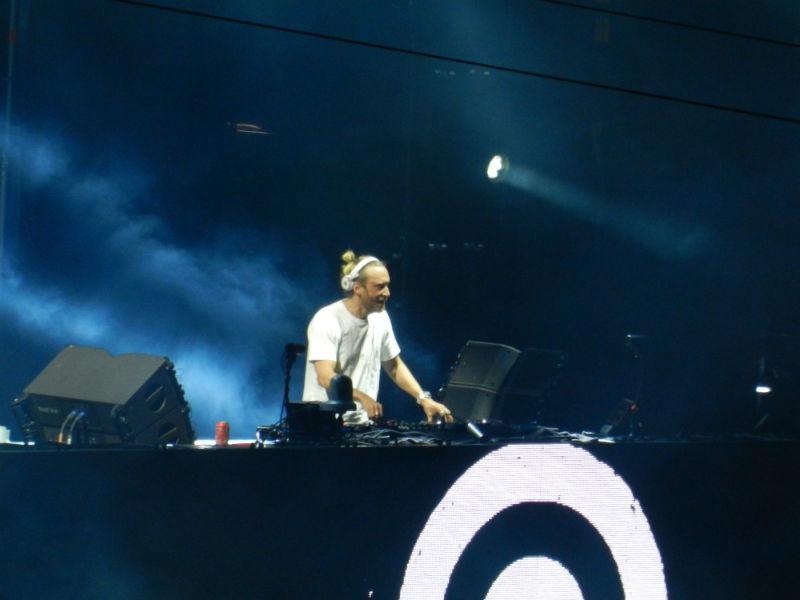 """David Guetta a închis prima ediție a festivalului Untold! """"Ne vedem în 2016"""""""