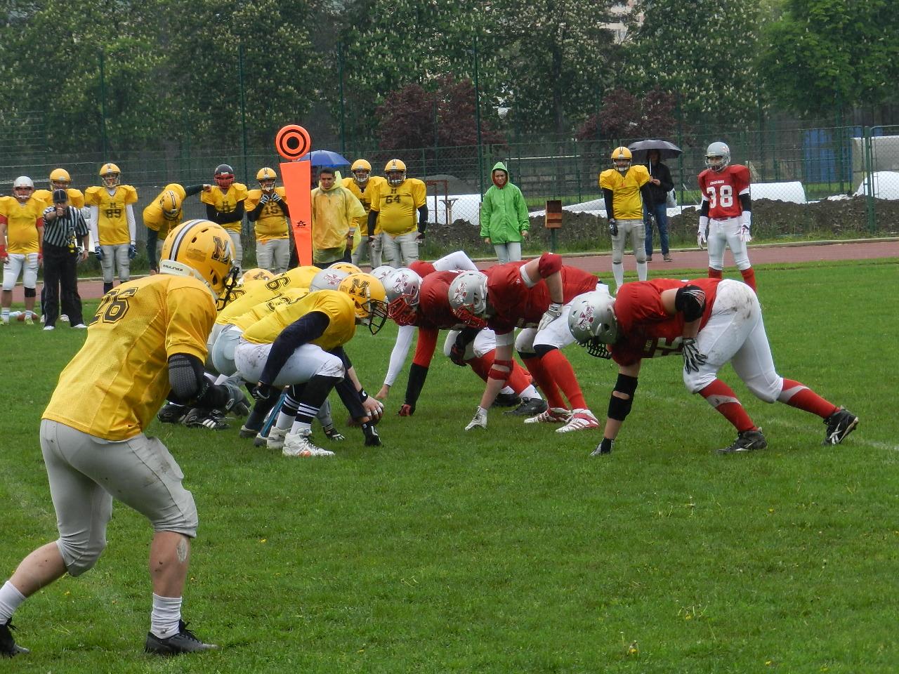 Ești pasionat de fotbal american? Cluj Crusaders organizează prima recrutare din 2015