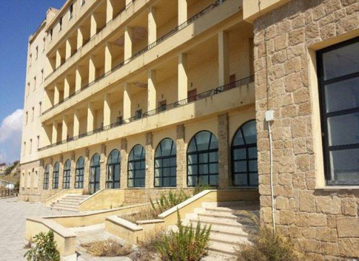 Hotelul-blestemat din Sicilia unde nu s-a cazat nimeni în ultimii 30 ani!