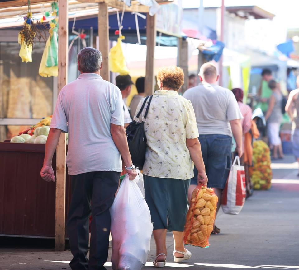Piața de la Dezmir, pregătită să aprovizioneze cămările clujenilor pentru sezonul rece