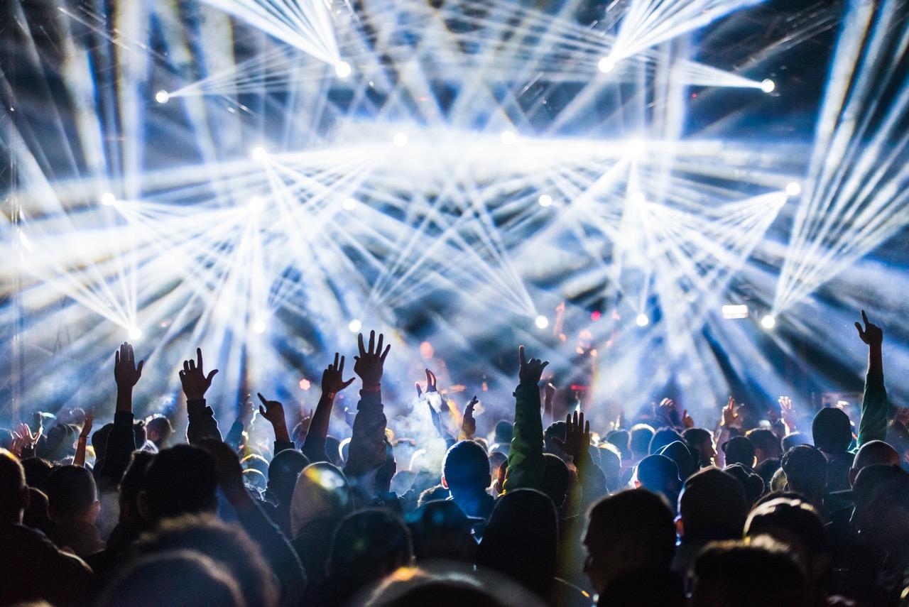 24 de ore de spectacol non-stop la Delahoya 2015! Peste 3000 de participanți la cel mai longeviv festival de muzică electronică din România