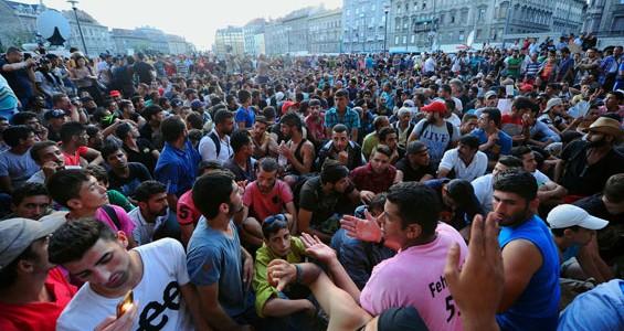 Ponta a anunțat numărul maxim de refugiați din Siria acceptați în România