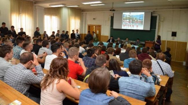 Proiect de 500.000 euro finalizat cu succes de Cluj IT Cluster și Universitatea Babeș-Bolyai: 450 de studenți au făcut practică în 94 de companii, bănci și organizații
