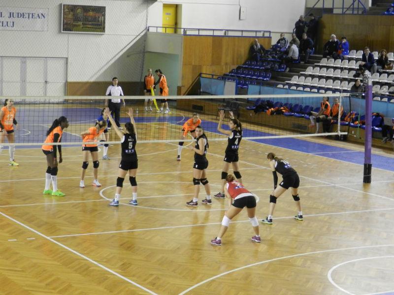 U Cluj - Targoviste Volei Feminin 1-3 (21.11.2015)-w800-h600