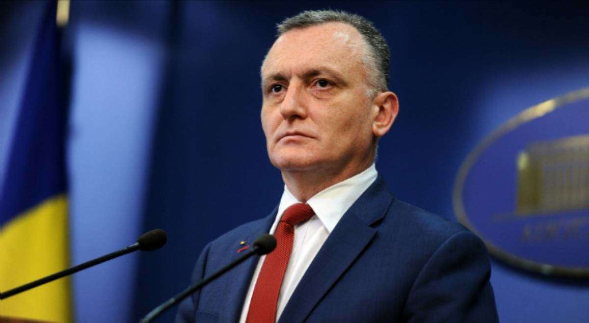 Klaus Iohannis l-a desemnat pe Sorin Cîmpeanu premier interimar