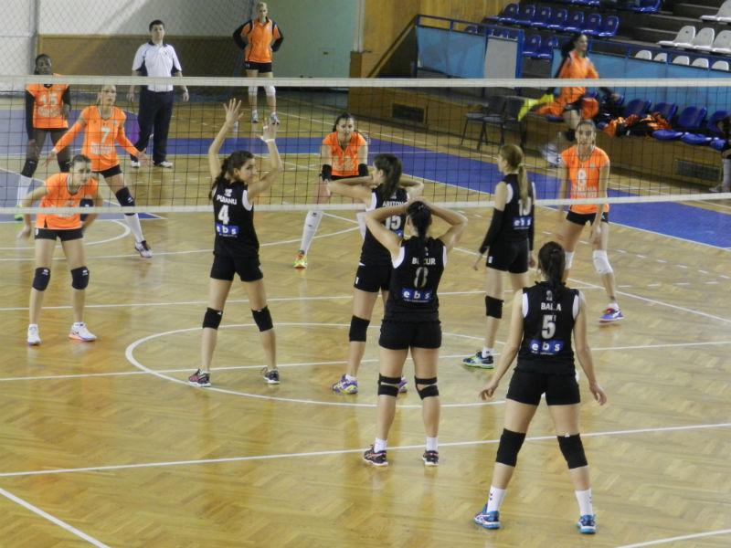 Înfrângere pentru echipele de volei ale Universității Cluj
