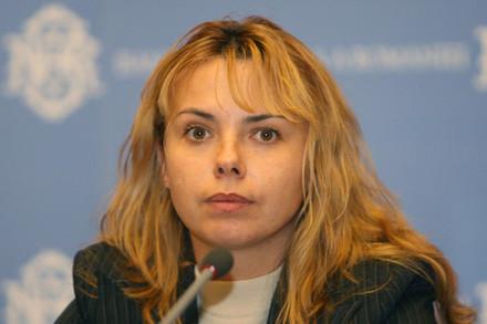 """Ministrul finanţelor, Anca Dragu: """"Salariul minim nu creşte la 1.200 lei. În Brazilia sau India săracii lucrează şi pe doi lei"""""""