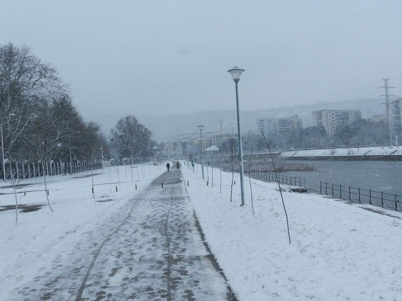 Vine iarna la Cluj – Lapoviţă, ninsoare şi vânt rece în acest weekend!