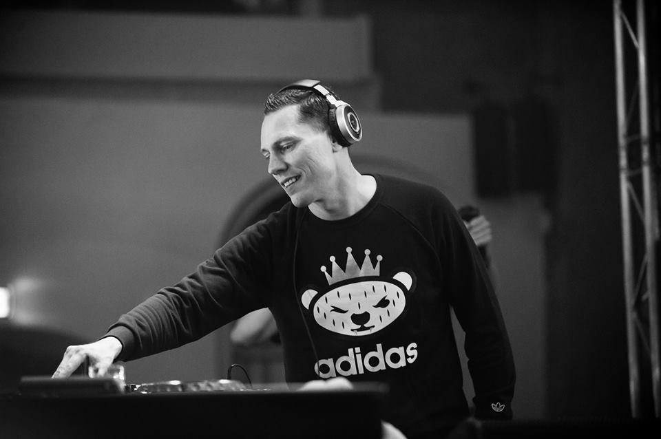 Tiësto, primul nume anunțat pentru Untold Festival 2016!
