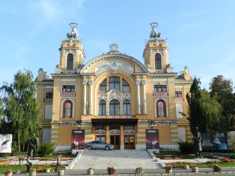 În luna martie teatrul se mută online. Teatrul Național Cluj transmite înregistrările spectacolelor pe site-ul oficial