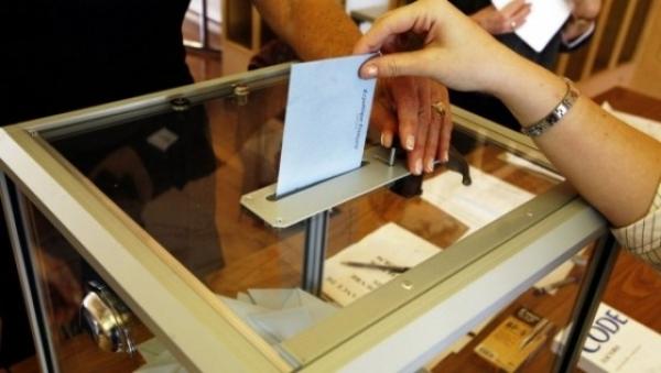 Prezența mare la ora 14:00: La europarlamentare – 23,91% și la referendum – 19,61%: Mobilizare uriașă la vot în București, Cluj, Sibiu, Brașov și Constanța