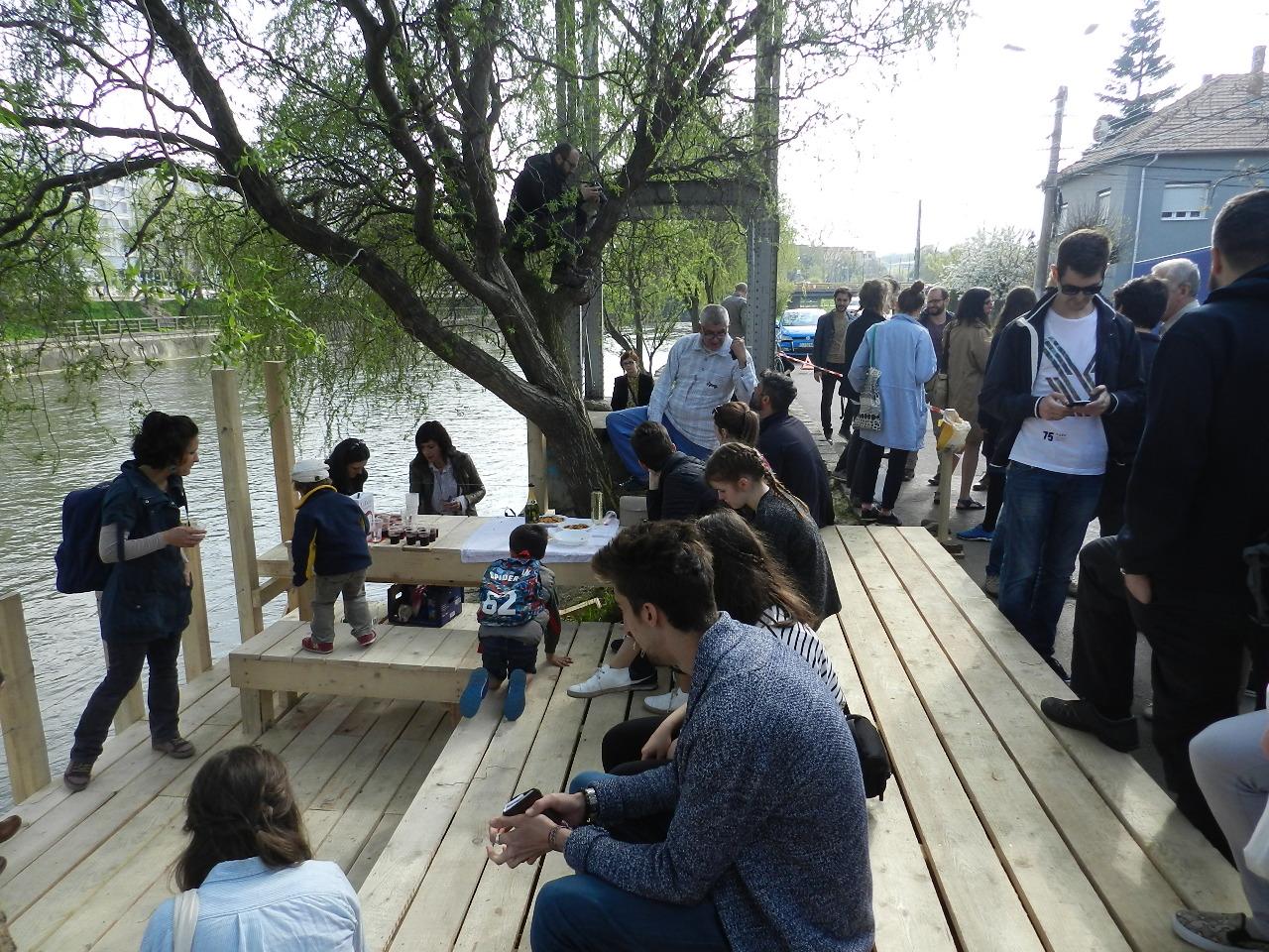 Un nou loc de promenadă inaugurat duminică pe malul Someșului, lângă Podul Garibaldi – FOTO