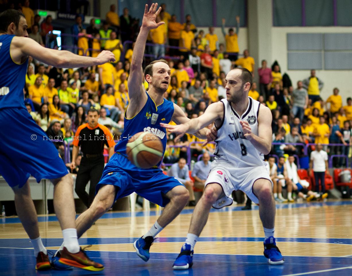 U-BT Cluj se deplasează miercuri la Oradea pentru primul meci din semifinalele Ligii Naționale