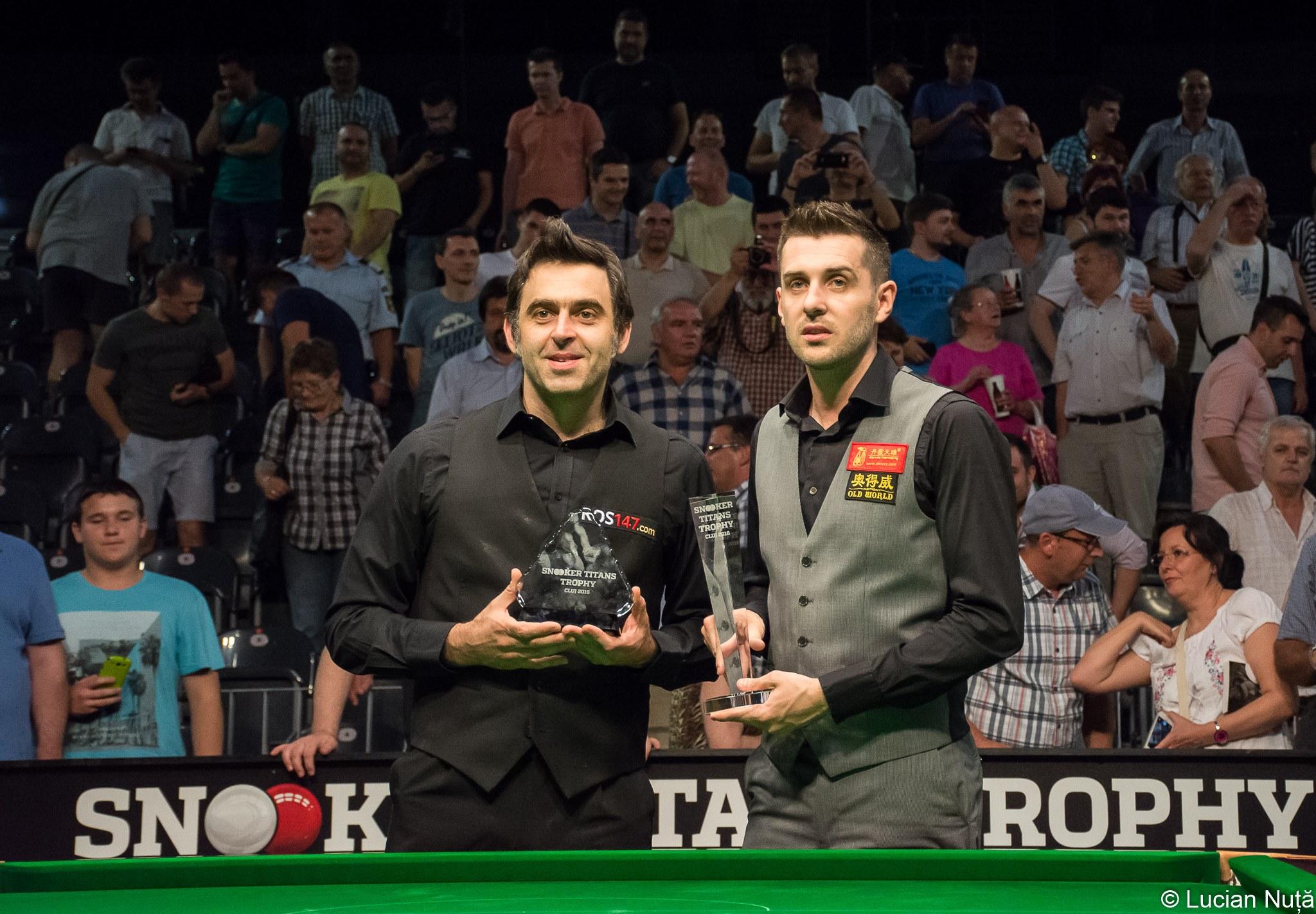 Ronnie O'Sullivan și Mark Selby la Snooker Titans Trophy Cluj 2016 (19 iunie 2016)