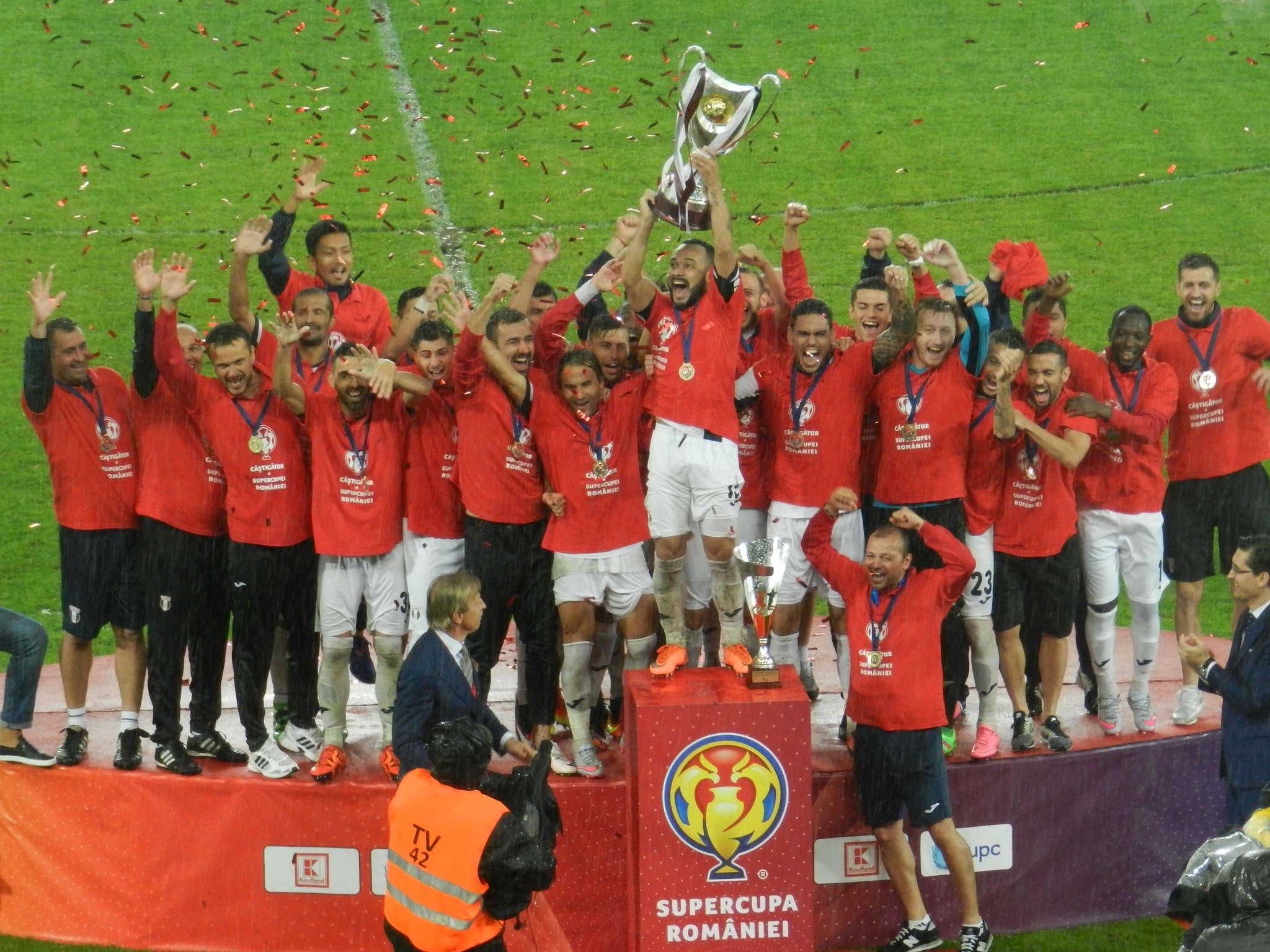 Astra Giurgiu a câștigat Supercupa României pe Cluj Arena, după 1-0 cu CFR Cluj! Ploaia torențială a transformat gazonul în mlaștină