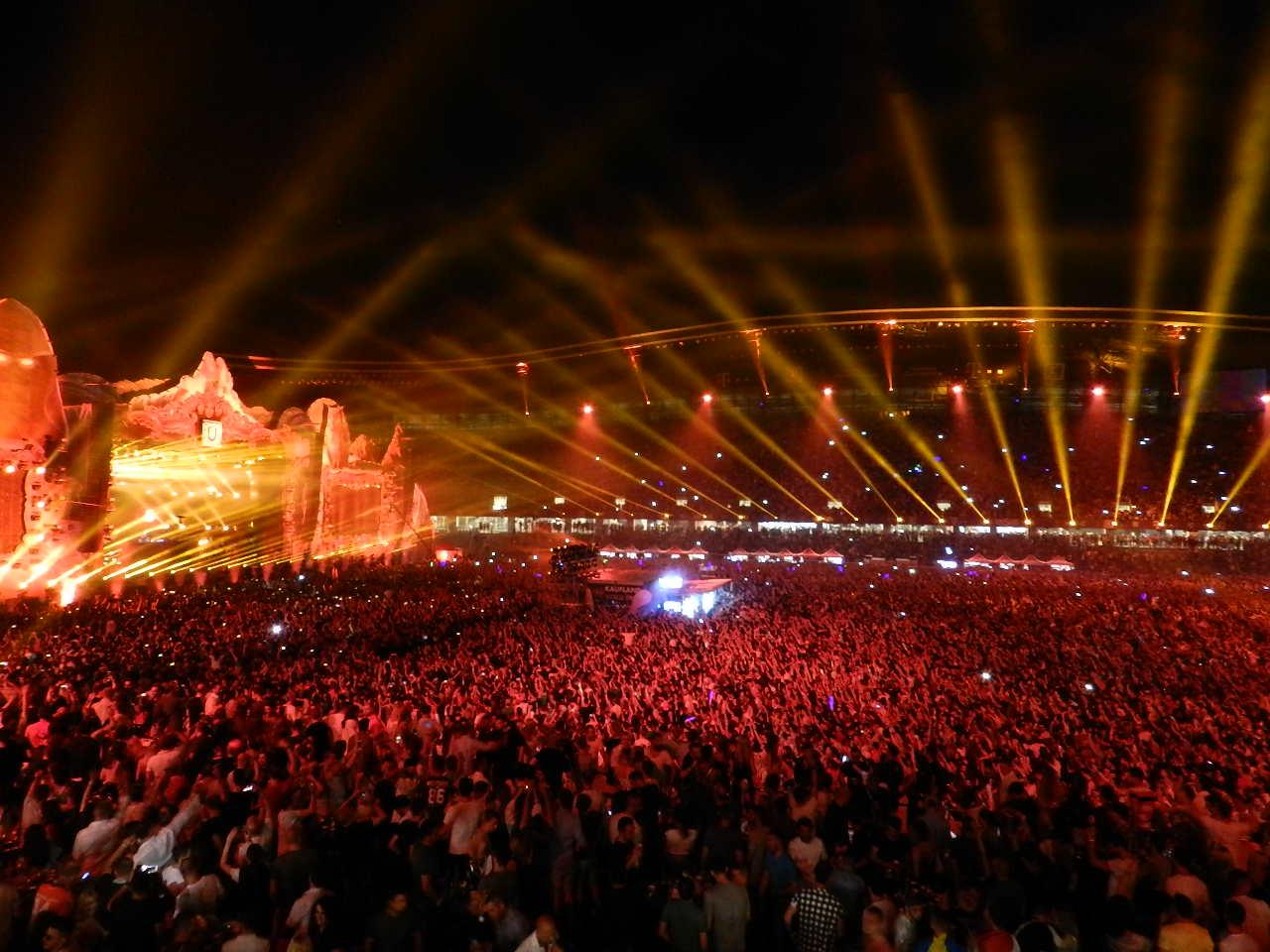 Spectacol impresionant în prima zi de UNTOLD Festival, cu Faithless, NERVO, Fedde Le Grand, Tiësto și Dimitri Vegas & Like Mike! – VIDEO