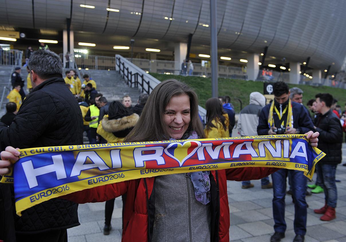 Vii duminică seară la meciul România – Muntenegru de pe Cluj Arena? Vezi ghidul suporterilor
